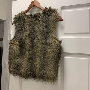 Faux fur Vest H&M size 8